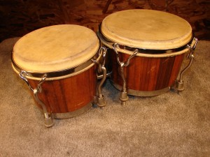 "L736 Bongos 6"" and 8"" Walnut"