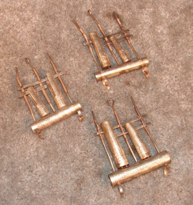 SME136 - Small Brass Finger Angklungs (3)